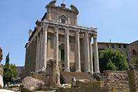 アントニヌスとファウスティーナの神