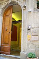アパートメントホテルの入口